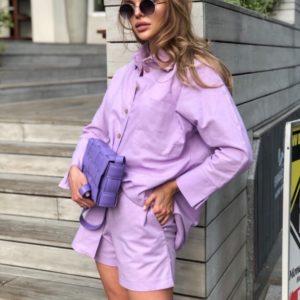 Купити для жінок костюм з льону лавандового кольору з шортами і сорочкою з довгим рукавом на літо дешево