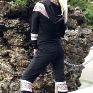 Купить женский черного цвета трикотажный костюм с принтованными вставками (размер 42-54) по низким ценам