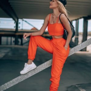 Купить оранжевый топ на бретельках + штаны на резинке по низким ценам трикотажный костюм для женщин