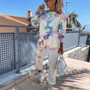 Купить белый костюм с принтом в разноцветные кляксы для женщин дешево