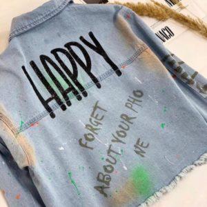 Приобрести женскую голубую джинсовую куртку с цветными пятнами Happy по скидке