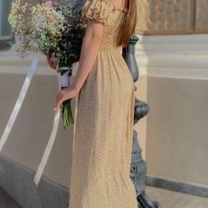 Заказать горчичное летнее платье для женщин из штапеля с мелким принтом с резинками (размер 42-58) онлайн