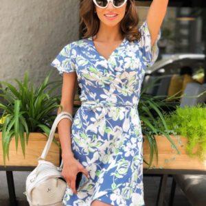 Приобрести платье голубого цвета мини в цветочный принт для женщин с поясом на запах выгодно
