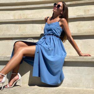 Купити жіночу літню блакитну сукню-сорочка міді на бретелях онлайн