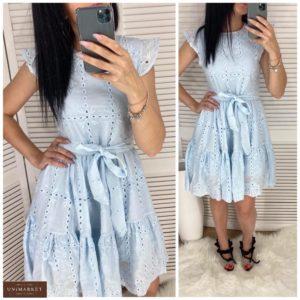 Купить голубое розовое женское летнее платье из прошвы с рюшами по скидке