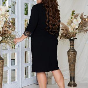 Купить черное женское платье полуприталеного силуэта с купонным гипюром (размер 48-62) выгодно