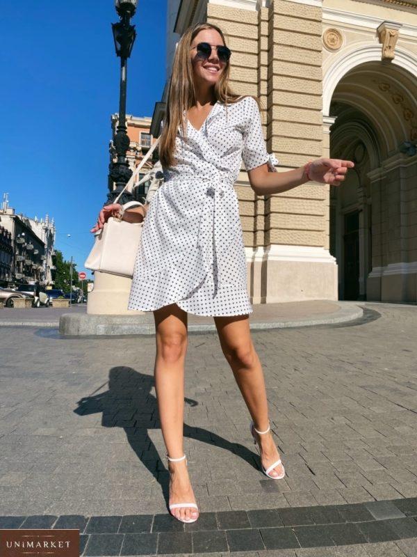 Купить на лето женское белое Платье в горошек на запах с завязками на рукавах выгодно