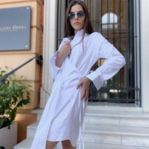 Приобрести женское белое платье-рубашку с плиссировкой на запах по низким ценам
