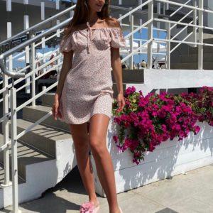Купить женское платье мини в мелкий цветочный принт с открытыми плечами светлое дешево
