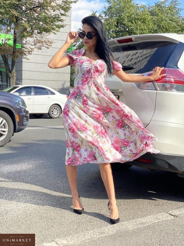 Купить белое/розовое женское нежное платье миди с принтом с рукавами-фонариками по скидке