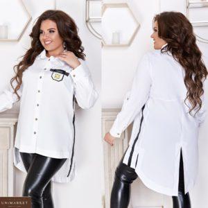 Купить белую женскую удлиненную рубашку на пуговицах с лампасами (размер 48-66) недорого