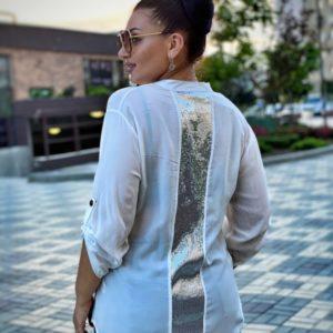 Приобрести белую женскую рубашку из вискона с декором из пайеток на спине (размер 46-56) по скидке