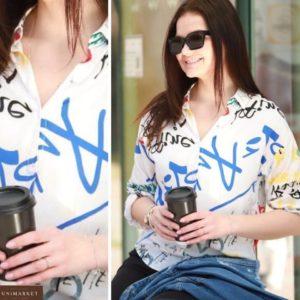 Купить летнюю принтованную белую с буквами рубашку из штапеля (размер 42-48) женскую выгодно