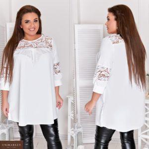 Замовити білу жіночу подовжену туніку вільного А-образного силуету (розмір 48-64) вигідно