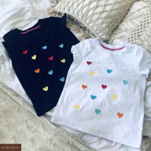 Приобрести белую, черную женскую футболку с вышитыми разноцветными сердечками в Украине