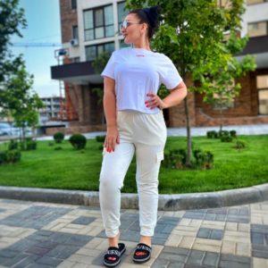 Купить молоко женские штаны с манжетами и накладными карманами (размер 42-60) выгодно