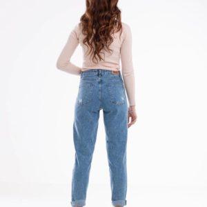 Заказать женские голубые джинсы Mom с пуговицами на ширинке выгодно
