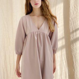 Заказать бежевое свободное женское платье мини с V-образным вырезом (размер 42-48) онлайн