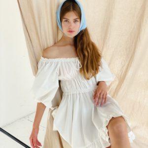 Приобрести женское платье мини из хлопка с открытыми плечами (размер 42-48) белого цвета недорого