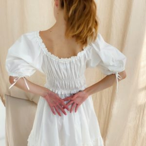 Заказать белое платье для женщин мини из хлопка с открытыми плечами (размер 42-48) онлайн