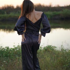 Приобрести женскую двухстороннюю блузку в полоску из шелка-атласа (размер 42-58) по скидке черную