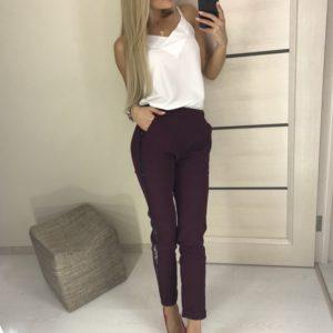 Приобрести женские укороченные брюки марсала с блестящими лампасами дешево