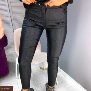 Купить женские теплые джинсы на флисе из эко кожи с блестками черного цвета по скидке