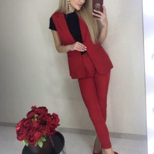 Купить красного цвета костюм с жилеткой и укороченными брюками для женщин выгодно