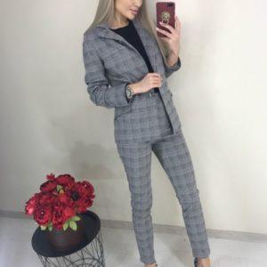 Купить клетчатый серый брючный костюм с пиджаком для женщин онлайн