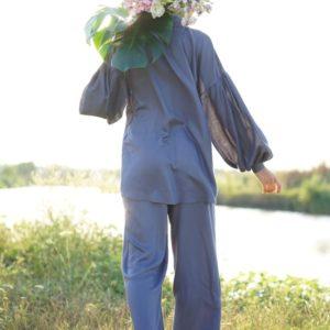 Приобрести женский Костюм с кюлотами и удлиненной блузкой (размер 42-52) серо-голубого цвета выгодно