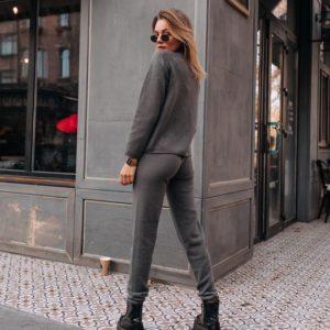 Заказать серый цельновязаный бесшовный костюм с итальянской пряжи без единого шва женский онлайн