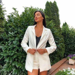 Замовити молочний костюм шорти з поясом + жакет для жінок в Україні