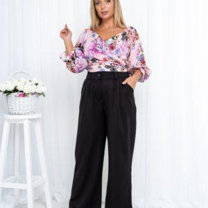 Купить розовый/черный денский брючный костюм с принтованным топом на запах (размер 42-52) недорого
