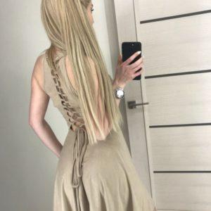 Приобрести женское бежевое латье из тонкой замши с переплетом на спине в Украине