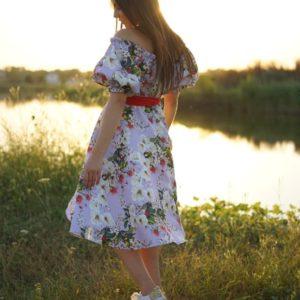 Приобрести сиреневое цветочное платье для женщин с открытыми плечами и рукавами фонариками (размер 42-58) онлайн