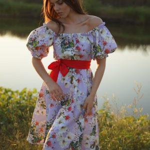 Заказать сиреневого цвета женское цветочное платье с открытыми плечами и рукавами фонариками (размер 42-58) дешево