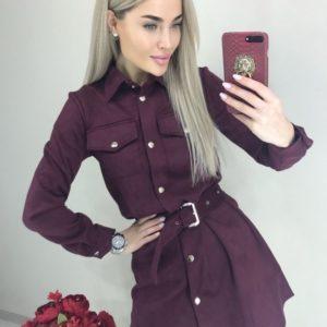 Замовити жіноче замшеве плаття-сорочка з довгим рукавом з поясом кольору марсала вигідно