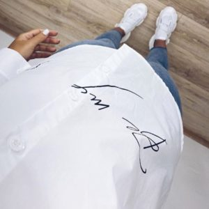 Приобрести белую рубашку с длинным рукавом с надписью выгодно для женщин