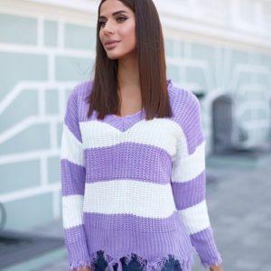 Заказать сиреневый женский свитер в широкую полоску с необработанными краями дешево