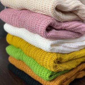 Заказать пудра, зеленый, черный, молочный, желтый. горчица короткий вязаный свитер оверсайз по низким ценам для женщин