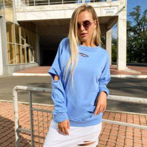 Приобрести голубого цвета женское платье-свитшот с прорезями по скидке