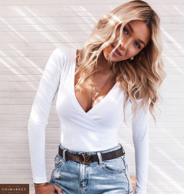 Заказать женский боди с длинным рукавом на запах белого цвета из кулира на кнопках онлайн