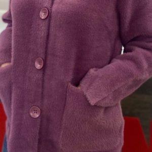 Заказать женский кардиган на пуговицах из шерсти альпаки (размер 42-48) цвета сирень по скидке