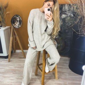 Заказать серый мокко прогулочный костюм из трикотажа с добавлением шерсти (размер 42-48) онлайн для женщин по скидке