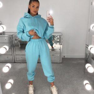 Приобрести голубой спортивный костюм на флисе с укороченной кофтой (размер 42-48) для женщин по низким ценам