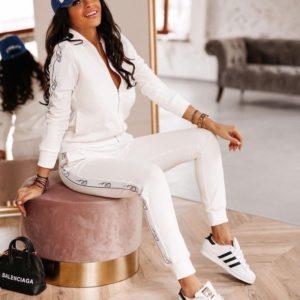 Купить женский трикотажный спортивный костюм с кофтой и лампасами (размер 42-48) белого цвета в интернете