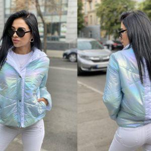 Купить голубую куртку на заклепках с полоской на спине дешево для женщин