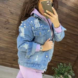 Заказать голубую женскую джинсовую куртку с жемчугом и заклепками онлайн