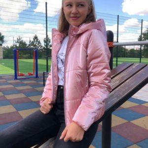 Приобрести женскую бархатную куртку с эффектом «жемчуг» (размер 42-56) розового цвета по низким ценам
