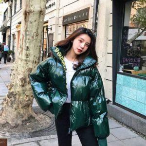 Придбати зелену куртку oversize з холлофайбер (розмір 44-48) для жінок вигідно